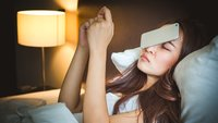 Smartphone neben dem Bett: Die schleichende Gefahr