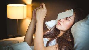 Smartphone neben dem Bett: Schlafprobleme sind vorprogrammiert