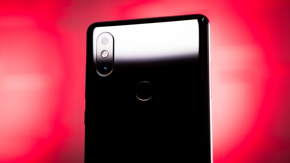 Xiaomi Mi Mix 2S im Test: iPhone-X-Optik und Pixel-Performance