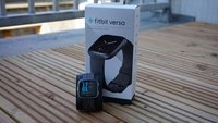 Fitbit Versa im Test: Edler Fitnesstracker im Apple-Watch-Stil
