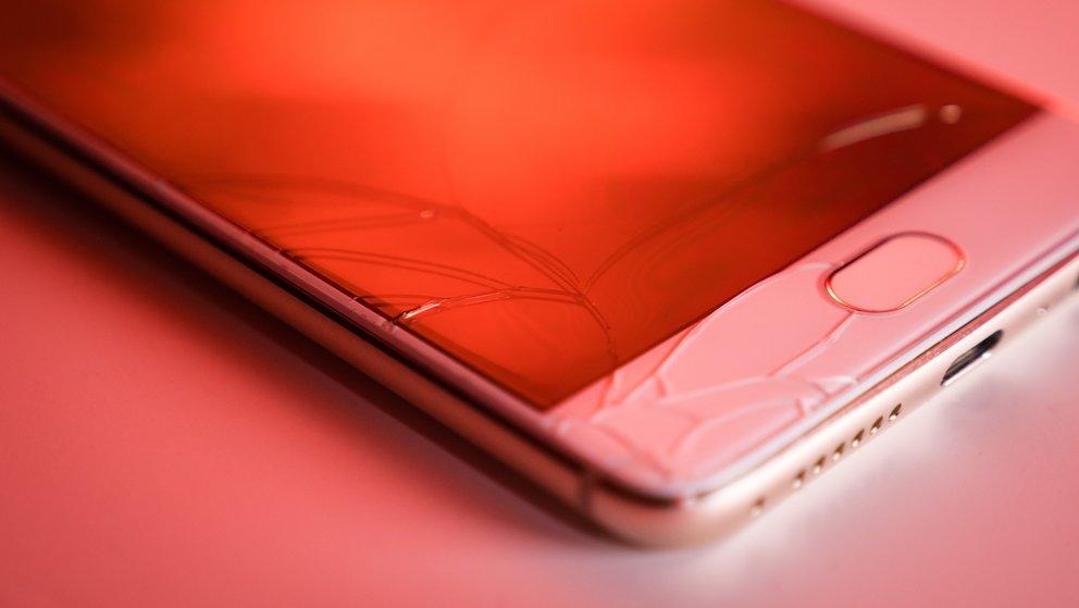 Smartphone kaputt? Dieser Mobilfunkanbieter tauscht ab jetzt kostenlos aus