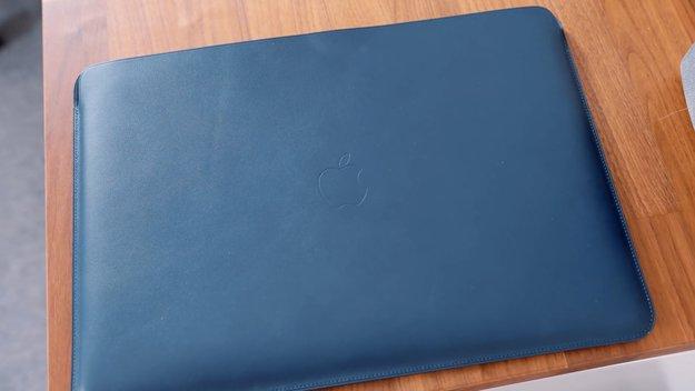 Lederhülle fürs MacBook Pro im Hands-On: Was taugt Apples 200-Euro-Lappen?