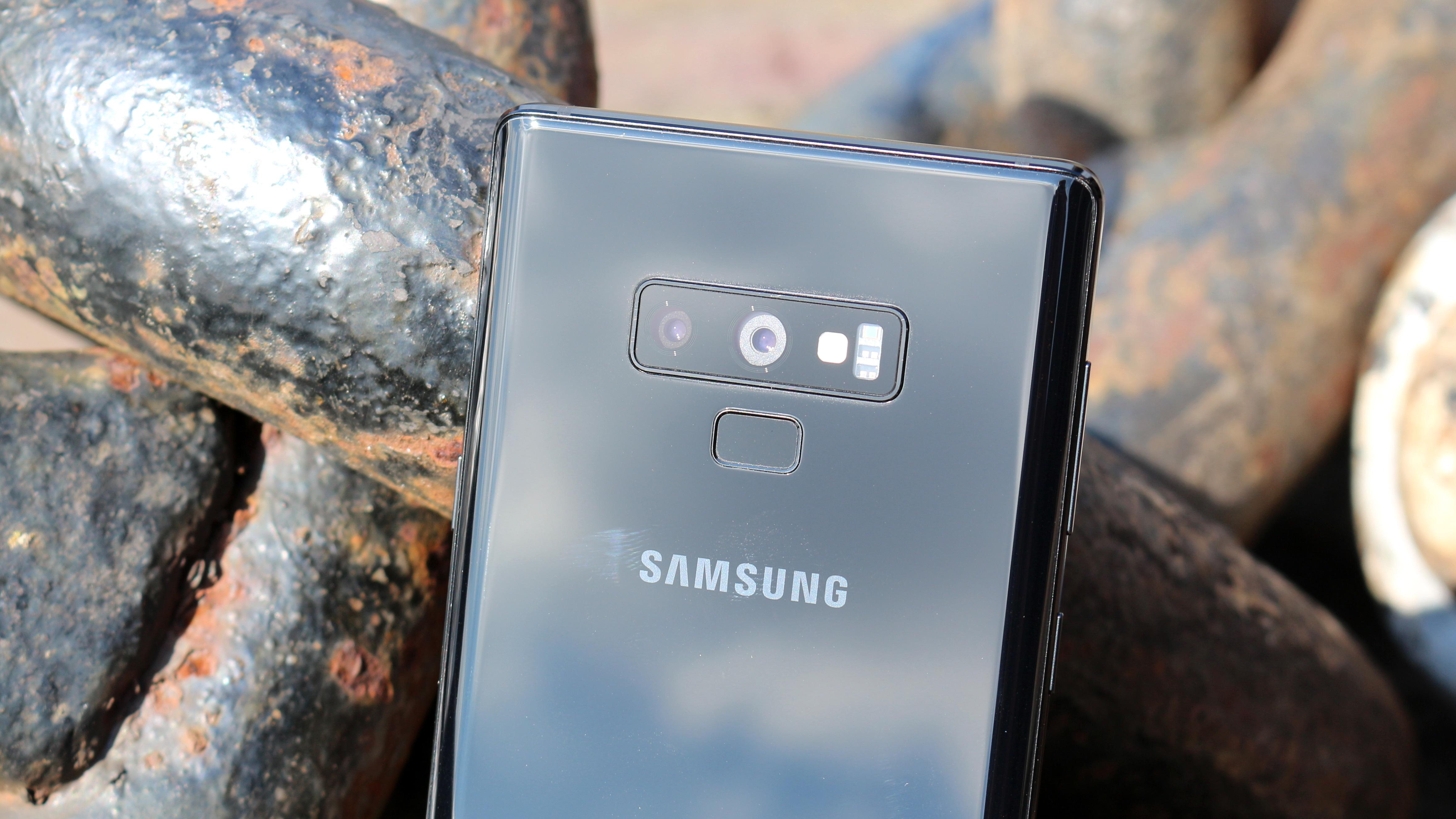 Galaxy S10: So besinnt sich das Samsung-Smartphone auf alte Werte ...