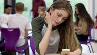 Vorbild Frankreich: Medienanstalt fordert Smartphone-Verbot in deutschen Schulen
