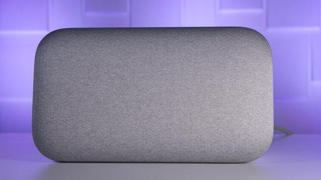 Google Home Max im Test: Dieser smarte Lautsprecher lässt den Apple HomePod zittern