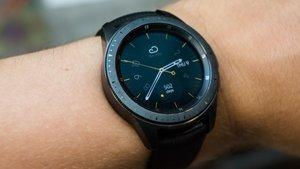 Samsung Galaxy Watch: Amazon, Saturn & MediaMarkt liefern sich Preiskampf