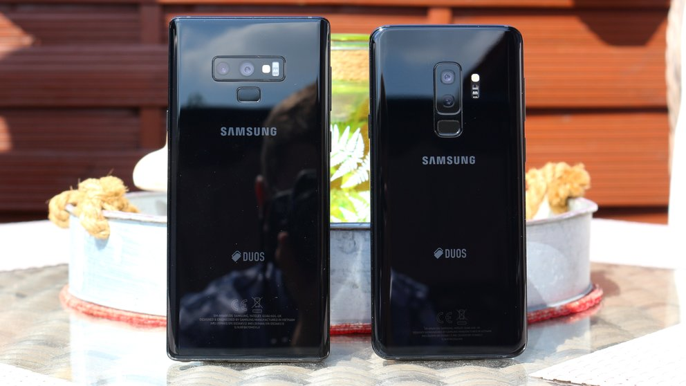 samsung galaxy s10 plus video zeigt gr envergleich mit. Black Bedroom Furniture Sets. Home Design Ideas