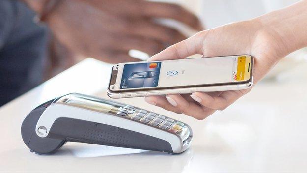 Bezahlen mit dem iPhone: Apple Pay startet heute in Deutschland – 2019 kommen noch diese Banken dazu