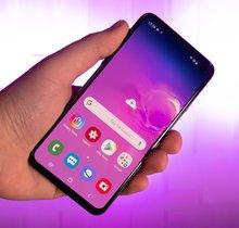 Samsung Galaxy S10e in Bildern: Handliche Glasschönheit
