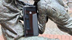 Huawei P30 Lite am Amazon Prime Day 2019: Bestpreis und zwei Bluetooth-Lautsprecher kostenlos beim Kauf