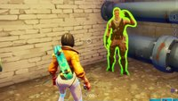Fortnite: Finde Jonesy hinterm Zaun - Fundort im Video (City-Chaos)