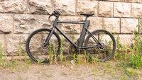 Ab heute bei Aldi: Fahrradhelm mit Blinkerfunktion – lohnt sich der Kauf?