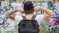 What's in my Handgepäck?! GIGA-Redakteure stellen ihre Ausrüstung vor: Laura