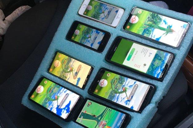 Pokémon Go: Polizei erwischt Mann beim Spielen auf acht Smartphones in seinem Auto