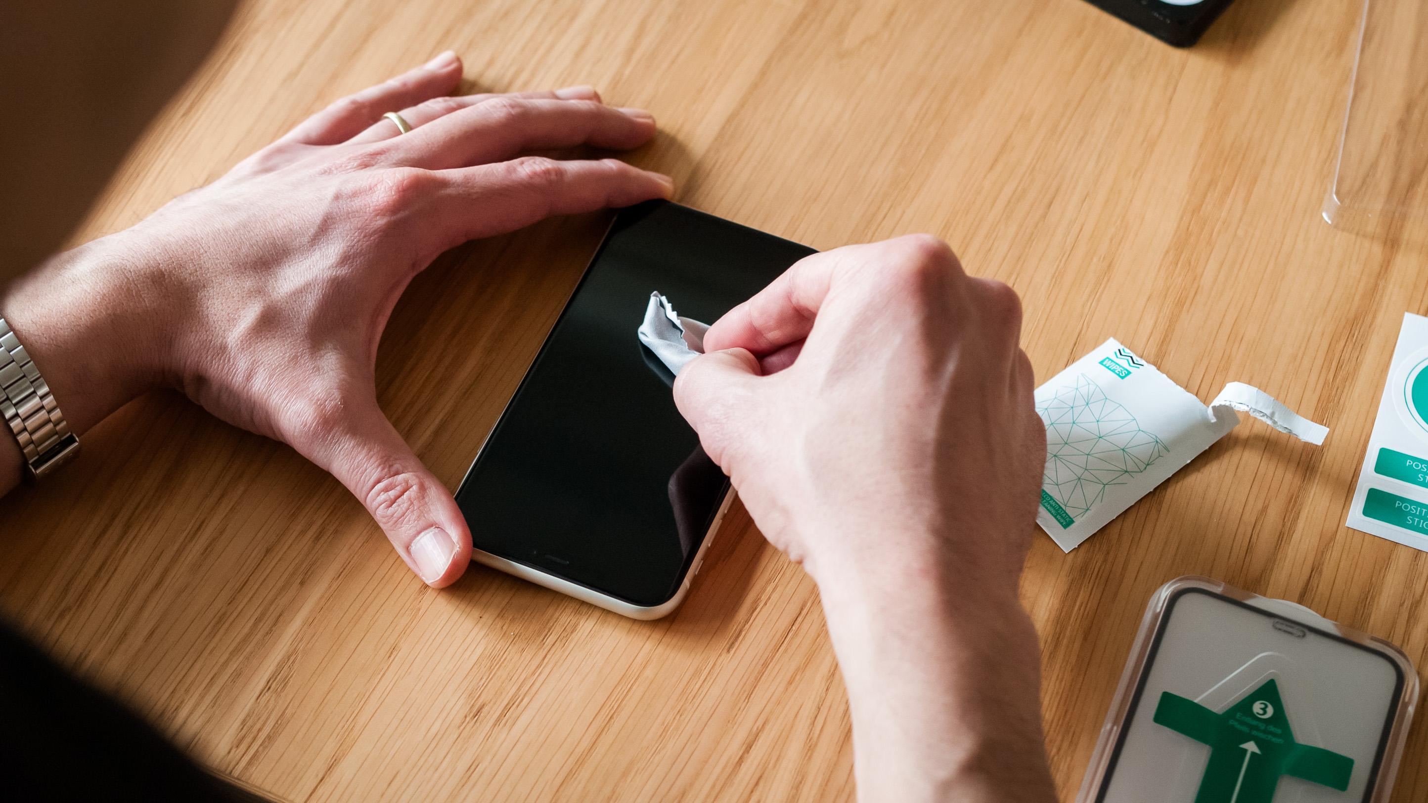 Handy Panzerglas entfernen und anbringen Methoden und Tipps