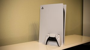 PS5: Maße, Größe und Gewicht - alle Abmessungen mit und ohne Standfuß