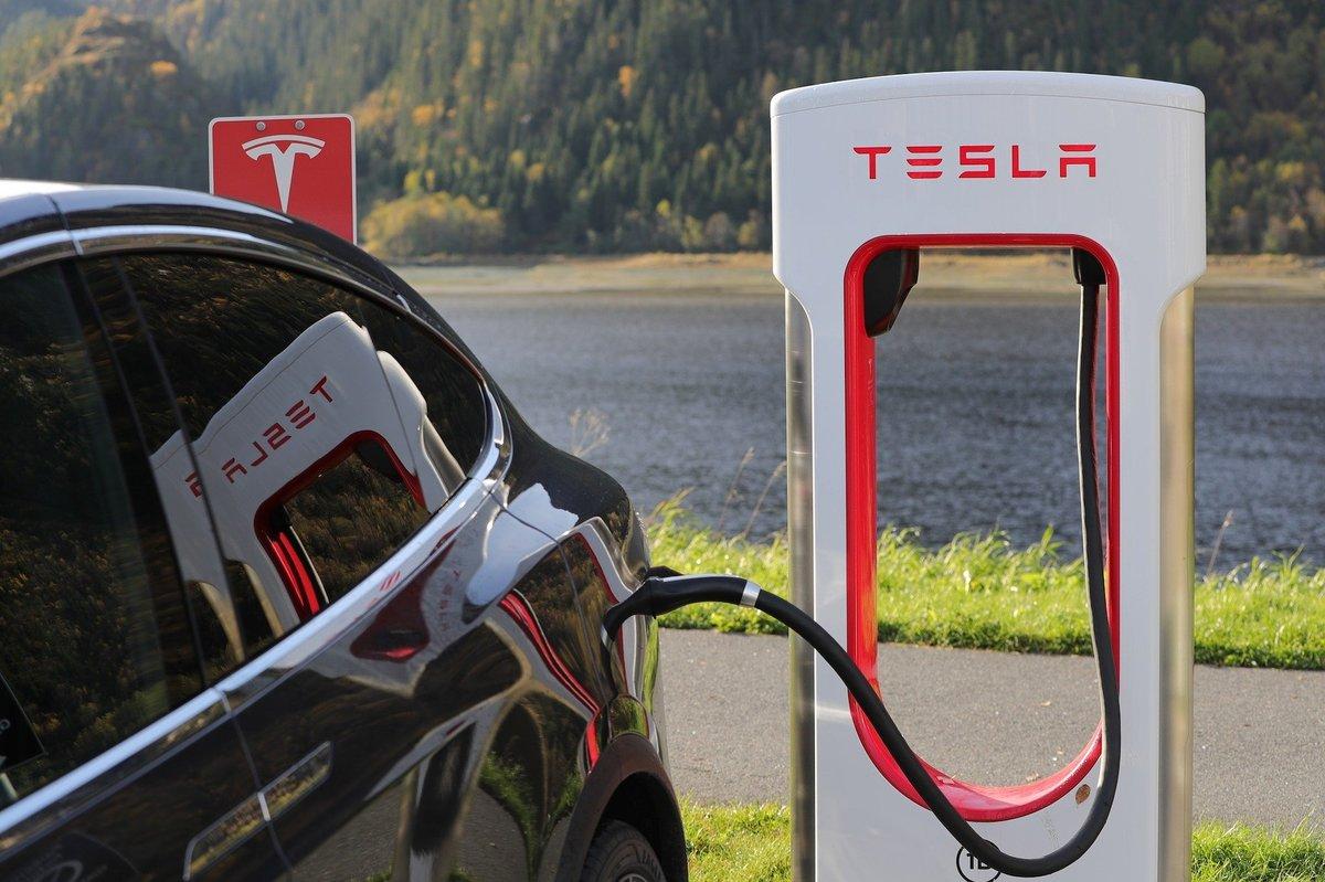 Tesla gibt Designfehler zu: Elektroauto hat eine kuriose Schwäche
