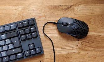 Mountain Makalu 67 im Test: Leichte Gaming-Maus trotz Kabel