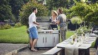 Aldi verkauft Monster-Gasgrill, der deine Terrasse in eine Outdoor-Küche verwandelt
