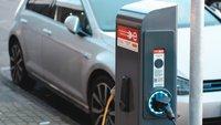 Obwohl er selbst E-Auto fährt: Armin Laschet zweifelt an E-Mobilität