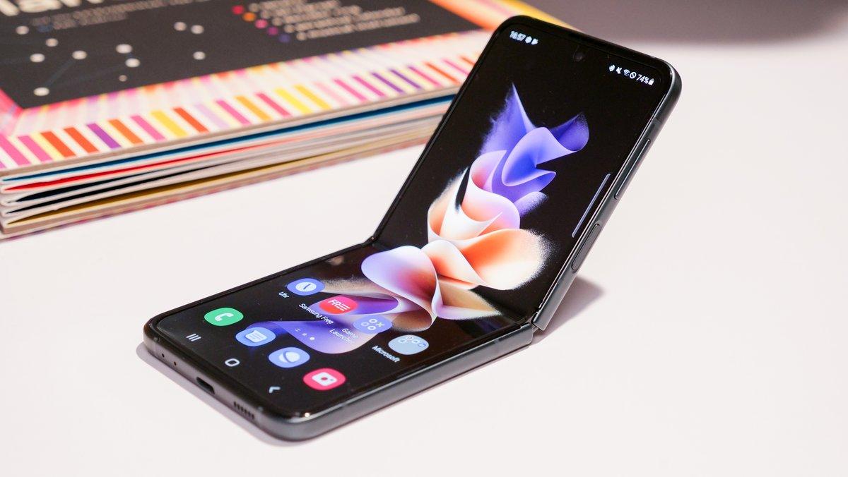 Samsung Mega-Deal bei MediaMarkt: Galaxy Z Flip 3 mit effektiv kostenlosem Vodafone-Tarif