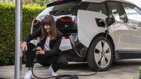 Endlich einfach E-Auto laden: Bosch stellt Problemlöser-Kabel vor