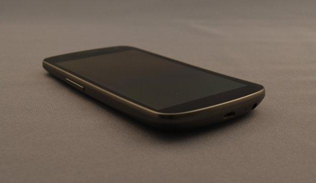Corning und Samsung: Geschwungenes Lotus Glass für OLED-Screens in Arbeit