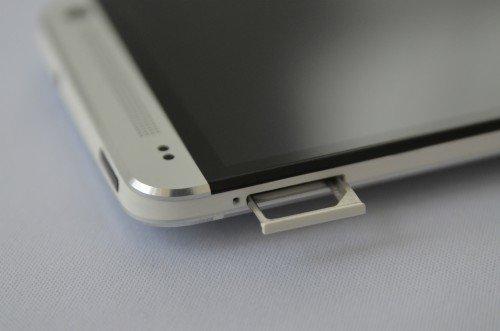 HTC-One-MicroSIM-Schlitten