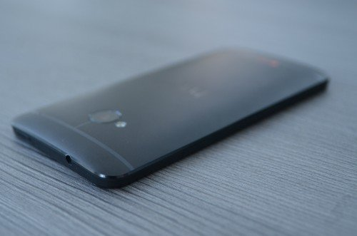 HTC-One-Rücken-Klinke