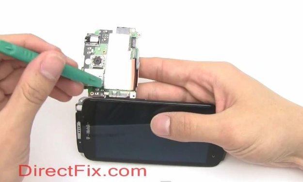 HTC One S: Vor laufender Kamera komplett zerlegt
