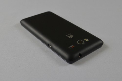 Huawei-Ascend-G615-Rueckseite-Top-Down