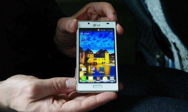 LG Optimus L7: Design-Smartphone mit Dual Core-Prozessor [MWC 2012]