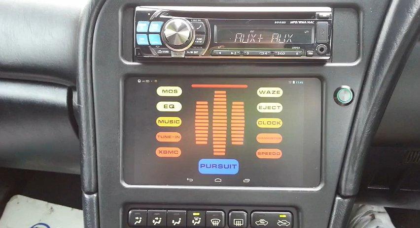Nexus 7: Einsatz als KFZ-Bordcomputer im Knight Rider-Look