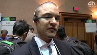 Vuzix Smart Glasses M100: Google Glasses-Konkurrent im Eyes-On [CES 2013]