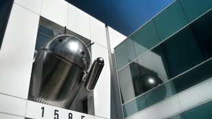 Chrome trifft Android: Neue Andy-Statue auf Google-Campus