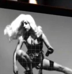 Lady Gaga: Werbung für Sharp-Androiden mit Retina-Display