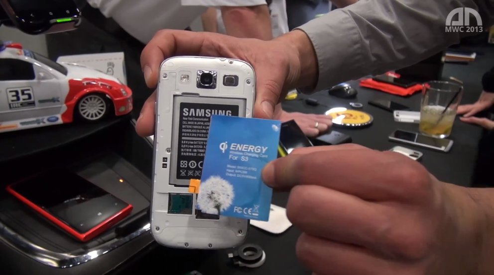 Wireless Power Consortium: Galaxy S3, iPhone kabellos laden per Qi-Adapter [MWC 2013]