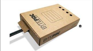 BytePac Festplatte - Convar steckt externe Festplatte in Karton