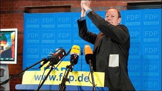 Die PARTEI kapert FDP-Party - Riesenjubel beim Ergebnis von 1,8 Prozent