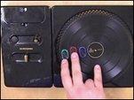 DJ Hero - Erklärung des Controllers und kommentiertes GIGA-Gameplay