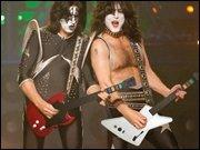 Guitar Hero meets Photoshop - Wie die Plastikgitarre die Welt erobert