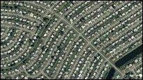 Oben - So sehen Siedlungen aus der Luft betrachtet aus