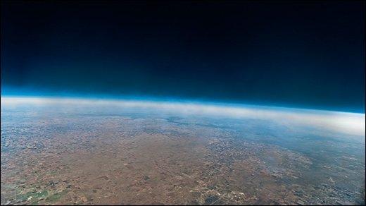 Per Wetterballon in die Luft - Kühlbox und Wetterballon: Nikon D300s lernt das Fliegen