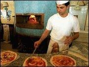 Pizzabäcker Gregor besucht PLAY!