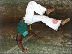 ROFL TV: Capoeira