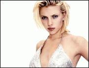 Scarlett Johansson oben ohne!