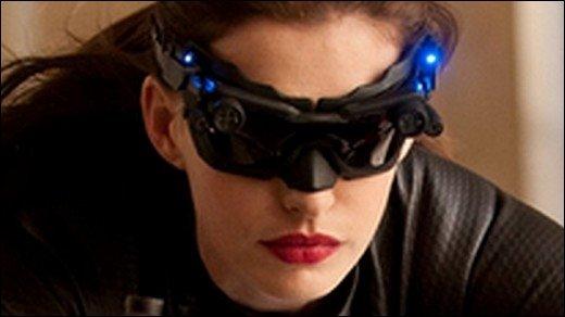 The Dark Knight Rises - Catwoman fährt die Krallen aus und baut einen satten Unfall