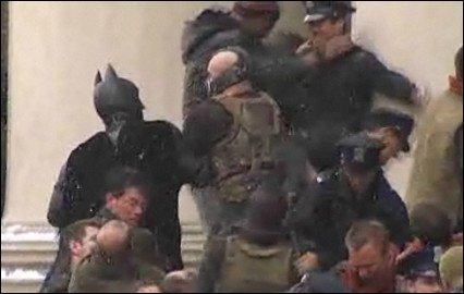 The Dark Knight Rises Szenen geleaked - Erstes Video zeigt epische Kampfszene zwischen Batman und Bane