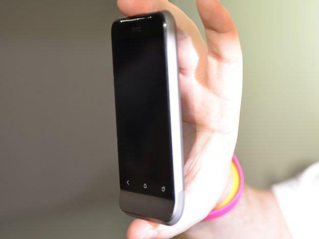 """HTC One V: First Look-Video auf den """"Hero im Geiste"""" [MWC 2012]"""