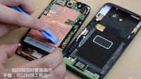 HTC One X: Auseinandergenommen, Akku (theoretisch) austauschbar